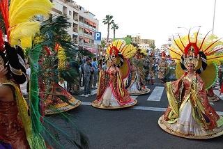 carnival-254914_640